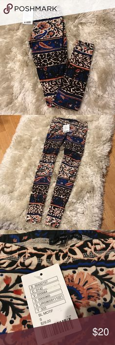 Truly Madly Deeply printed leggings Size small. 92% cotton and 8% spandex. Feel free to ask me any questions Urban Outfitters Pants Leggings
