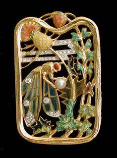 Masriera Enameled Gold Pendant/Brooch. Masriera was established in 1839 in Barcelona, Spain