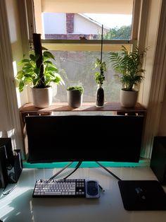 The Real Alienware Desk Setup, Gaming Setup, Simple Computer Desk, Desk Inspiration, Alienware, Work Desk, Desk Ideas, Diy Desk, Decoration