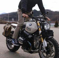 Bike Bmw, Cool Motorcycles, Vintage Motorcycles, Bicycle, Bmw R51, Nine T Bmw, Er6n, Bmw Vintage, Bmw Boxer