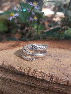 Hey, I found this really awesome Etsy listing at https://www.etsy.com/listing/472833566/vintage-sterling-silver-mexico-snake