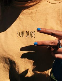 Suh Dude yellow t shirt Surfergirl Style, Summer Outfits, Cute Outfits, Casual Outfits, Diy Vetement, Summer Aesthetic, Looks Vintage, Mellow Yellow, Yellow Black