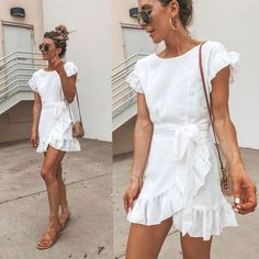 Trendy Summer Dresses Hi girls! It is finally summer and we are absolutely ready to wear our comfy and cute summer dresses! But what about this year's trendy colors? Short Summer Dresses, Simple Dresses, Cute Dresses, Casual Dresses, Dresses Dresses, Elegant Dresses, Wrap Dresses, Formal Dresses, Wedding Dresses