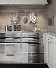 Lovely SieMatic cabinets and backsplash