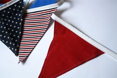 Here is a quick and easy way to make super simple party bunting! www.skiptomylou.org #sewing #tutorial