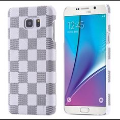 Classic Grid Pattern leather hard case Note 5 Classic Grid Pattern leather hard case Note 5  Listing is Luxury Classic Grid Pattern Leather Slim Hard Case For Samsung Galaxy Note 5.  Fashion and Casual design hard skin case  for Samsung Galaxy Note 5.  This is a brand new case with White Grid Pattern.   Order will ship within 24 hours.    Thanks for looking. Accessories
