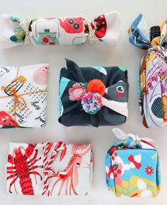 Tea Towel Furoshiki – An Eco Friendly way to Gift Wrap for Christmas ๏~✿✿✿~☼๏♥๏花✨✿写❁~⊱✿ღ~❥ SA Jul ~♥⛩☮️ Homemade Christmas Gifts, Handmade Christmas, Homemade Gifts, Christmas Diy, Christmas Items, Japanese Christmas, Christmas Decorations, Christmas Trends, Holiday Decor