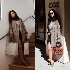 Get this look: http://lb.nu/look/8856835  More looks by Tiffany Wang: http://lb.nu/tiffwang  Items in this look:  Zara Blazer, Schutz Mules, Jw Anderson Purse, Levi's® Shorts, Cos Tee   #grunge #minimal #street #mules #schutz #cos #levis #blazer #zara