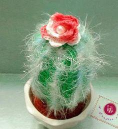 http://www.mazkwok.com/2014/03/icy-cactus-free-amigurumi-pattern.html