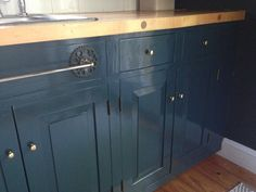 Farrow &  Ball Hague Blue kitchen cabinets in high gloss