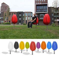A Tulip Seat for Public Spaces