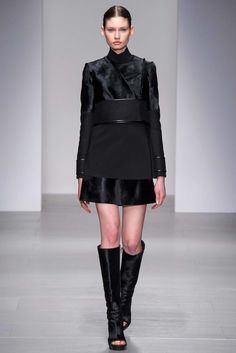 David Koma Fall 2014 Ready-to-Wear Undefined Photos - Vogue