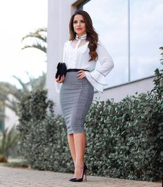 Forever in Style - Beauty and Fashion through the centuries Minimalist Fashion Women, Office Fashion Women, Work Fashion, Fashion Outfits, Womens Fashion, Work Dresses For Women, Clothes For Women, Look Blazer, Office Outfits