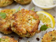 Portuguese recipes: Portuguese menu in 3 recipes from Portugal Grilled Sardines, My Favorite Food, Favorite Recipes, Fish Cakes Recipe, Portuguese Recipes, Spanish Food, Spanish Recipes, Recipe Using, Tandoori Chicken