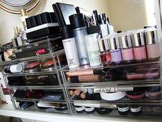 Jolie collection de maquillage