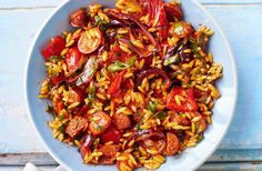 This wonderfully flavoursome Spanish salad mixes peppers, chorizo & cherry tomatoes with orzo pasta. Visit Tesco Real Food for more hearty salad…