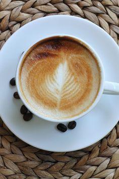 Coffee Good For You, Best Coffee, Benefits Of Drinking Coffee, Cappuccino Coffee, Coffee Drinks, Latte, Tableware, Food, Dinnerware