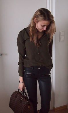 Waxed pants with army green shirt.  www.morethanlettersbykelli.blogspot.fi