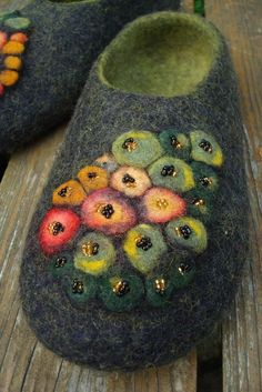 Felted black/green wool slippers