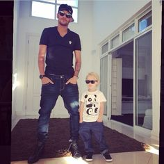 neymar and davi lucca* father and son* Neymar Jr, Daddy And Son, Father And Son, Dani Alves, Football Love, Play Soccer, Lionel Messi, Plein Air, Football Players