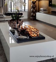 Home Decoration For Anniversary Home Living Room, Home Decor Bedroom, Living Room Designs, Living Room Decor, Tray Decor, Decoration Table, Interior Styling, Interior Design, Block Table