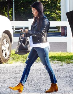 Kourtney Kardashian Covers Pregnant Belly in Baggy T-Shirt: Picture - Us Weekly LOVE the outfit combo- even make it CAbi :)