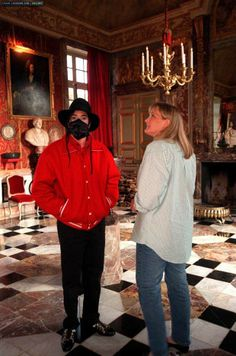 Michael and Debbie Rowe visiting the Château du Champ de Bataille in Sainte-Opportune-du-Bosc, France (July 1st, 1997)