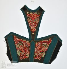 Bilderesultat for bunad broderi Folk Costume, Costumes, Traditional Outfits, Norway, Machine Embroidery, Scandinavian, Textiles, Folklore, Crafts
