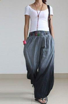 Gray pants wide leg pants fashion skirt pants linen pants Source by jacyozera Hippie Style, Bohemian Style, Boho Chic, Hippie Bohemian, Grey Pants, Wide Leg Pants, Wide Legs, Work Pants, Work Trousers
