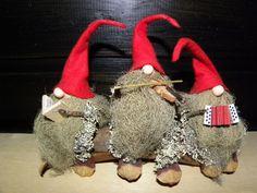 Tontut lauteilla | Kodin Kuvalehti Swedish Christmas, Christmas Gnome, Christmas Crafts, Christmas Decorations, Christmas Ornaments, Holiday Decor, Scandinavian Gnomes, Painted Doors, Magical Creatures
