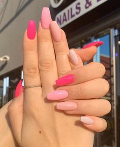 In seek out some nail designs and ideas for your nails? Here is our set of must-try coffin acrylic nails for stylish women. Acrylic Nails Coffin Short, Simple Acrylic Nails, Pink Acrylic Nails, Acrylic Nail Art, Acrylic Nail Designs For Summer, Colorful Nails, Easy Nails, Pink Acrylics, Autumn Nails Acrylic