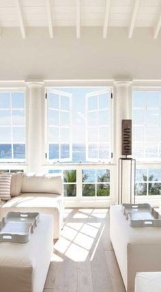 From the windows of the wonderful Villa Sunrise House in the Caribbean you can watch some of the most beautiful sunrises in the world, which is reflected ✌Pufikhomes - source of home inspiration Coastal Living Rooms, Home And Living, Living Spaces, Modern Living, Modern Family, Natural Living, Living Area, Decoration Design, Deco Design