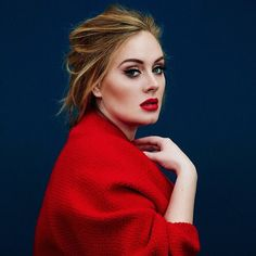 Adele com look vermelho. VISIT FOR MORE Adele com look vermelho. The post Adele com look vermelho. appeared first on Celebrities. Pretty People, Beautiful People, Beautiful Voice, Beautiful Images, Portrait Photos, Beauty And Fashion, Style Fashion, Fashion Tips, Time Magazine