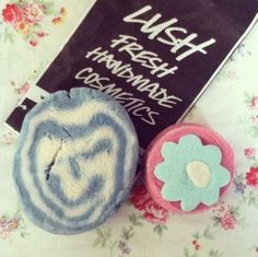 you gave me forever within the numbered days Lush Cosmetics, Handmade Cosmetics, Lush Aesthetic, Lush Products, Beauty Products, Makeup Products, Lush Fresh, Lush Bath Bombs, Playing With Hair