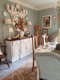 73 Awesome Vintage French Country Dining Room Design Ideas - Page 54 of 75 French Country Dining Room, French Country Rug, French Country Kitchens, French Country Bedrooms, Country Farmhouse Decor, French Country Decorating, French Cottage, Modern Country, French Country Furniture
