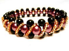 Free pattern for beaded bracelet Pamela U need: seed beads 11/0 pearl beads 8-10 mm pearl beads 4-6 mm