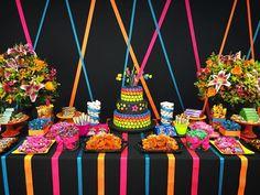 Festa Neon para uma menina especial @julianajunquilho #festa #festainfantil #festaneon #neonparty #festademenina #party #partyideas…