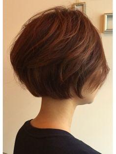 マーブル(MARBLE)60`s風ショートボブ Short Bob Hairstyles, Pretty Hairstyles, Asian Bob Haircut, Medium Hair Styles, Short Hair Styles, Short Hair Updo, How To Make Hair, Love Hair, Hair Designs