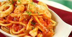 Cele mai simple spaghete cu fructe de mare- Nu puteti da gres cu aceasta reteta! Melting Moments, Macaroni, Seafood, Easy Meals, Meat, Chicken, Cooking, Healthy, Ethnic Recipes