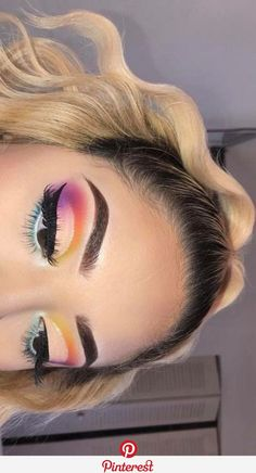 24 Beautiful Eye Makeup Looks That is Perfect for Summer - Inspired Beauty - - 24 Beautiful Eye Makeup Looks That is Perfect for Summer – Inspired Beauty Make Up 23 Schöne Augen Make-up Looks, die perfekt für den Sommer sind – inspirierte Schönheit Makeup Eye Looks, Beautiful Eye Makeup, Eyeshadow Looks, Pretty Makeup, Skin Makeup, Eyeshadow Makeup, Beauty Makeup, Eyeshadow Palette, Blue Eyeshadow