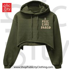 I feel like Pablo cropped hoodie - Kanye west cropped hoodie, olive green with white lettering, super soft Yeezy Tops Sweatshirts & Hoodies Crop Top Hoodie, Cropped Hoodie Outfit, Hoodie Sweatshirts, Winter Looks, Types Of Fashion Styles, New York Fashion, Street Style Women, Winter Outfits, Girl Clothing