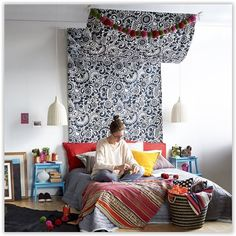 Make your own travel-inspired bed canopy from IKEA fabric Decoration Inspiration, Interior Inspiration, Cosy Bedroom, Bedroom Decor, Make Your Own Headboard, Ikea Fabric, Sweet Home, Diy Casa, Deco Design