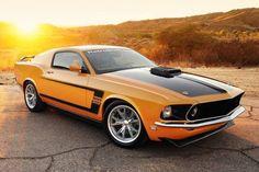 Ford Mustang BOSS 302. Orange!