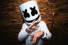 Hi I am DJ AKASH... LIKE MARSHMELLO