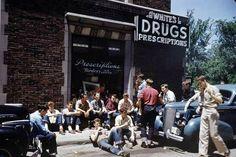 1950s Teens hangout