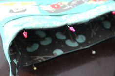 Top Sewing Machines pin lining to outside to top stitch Bag Pattern Free, Bag Patterns To Sew, Sewing Patterns, Quilted Gifts, Quilted Bag, Diy Sewing Projects, Sewing Projects For Beginners, Sewing Crafts, Japanese Sewing