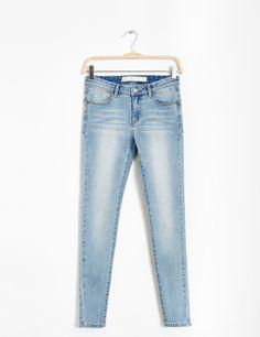 jean push-up skinny bleu clair - http://www.jennyfer.com/fr-fr/vetements/jeans/jean-push-up-skinny-bleu-clair-10009470013.html