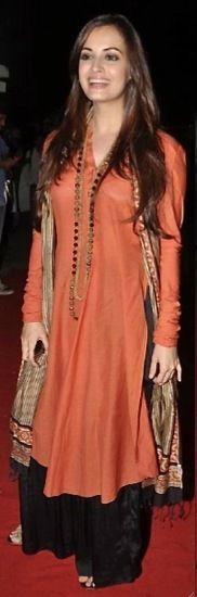 love the long tunic with palazzos... The hot and Beautiful Diya Mirza
