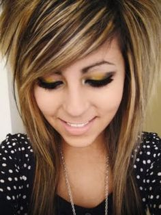 Side bangs with short hair, I like the color combination.