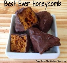 Best Ever Honeycomb - Perfect Autumn treat! Step by step instructions with Kitchen Shed Tips to help you make the best & crunchiest honeycomb. This honeycomb will keep for months stored in an airtight container. AKA Cinder Toffee, Hokey Pokey, Sponge Ca Candy Recipes, Sweet Recipes, Baking Recipes, Dessert Recipes, Honeycomb Recipe, Honeycomb Candy, Starburst Candy, Homemade Sweets, Homemade Candies